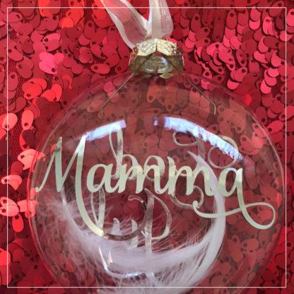God jul julekule med teksten mamma i sølv