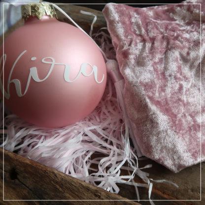 rosa julekule med fløyelspose