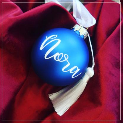 Blå julekule med navn
