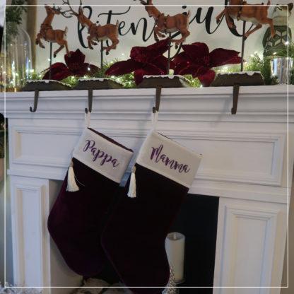 Lilla og hvit julesokk i velour med navn